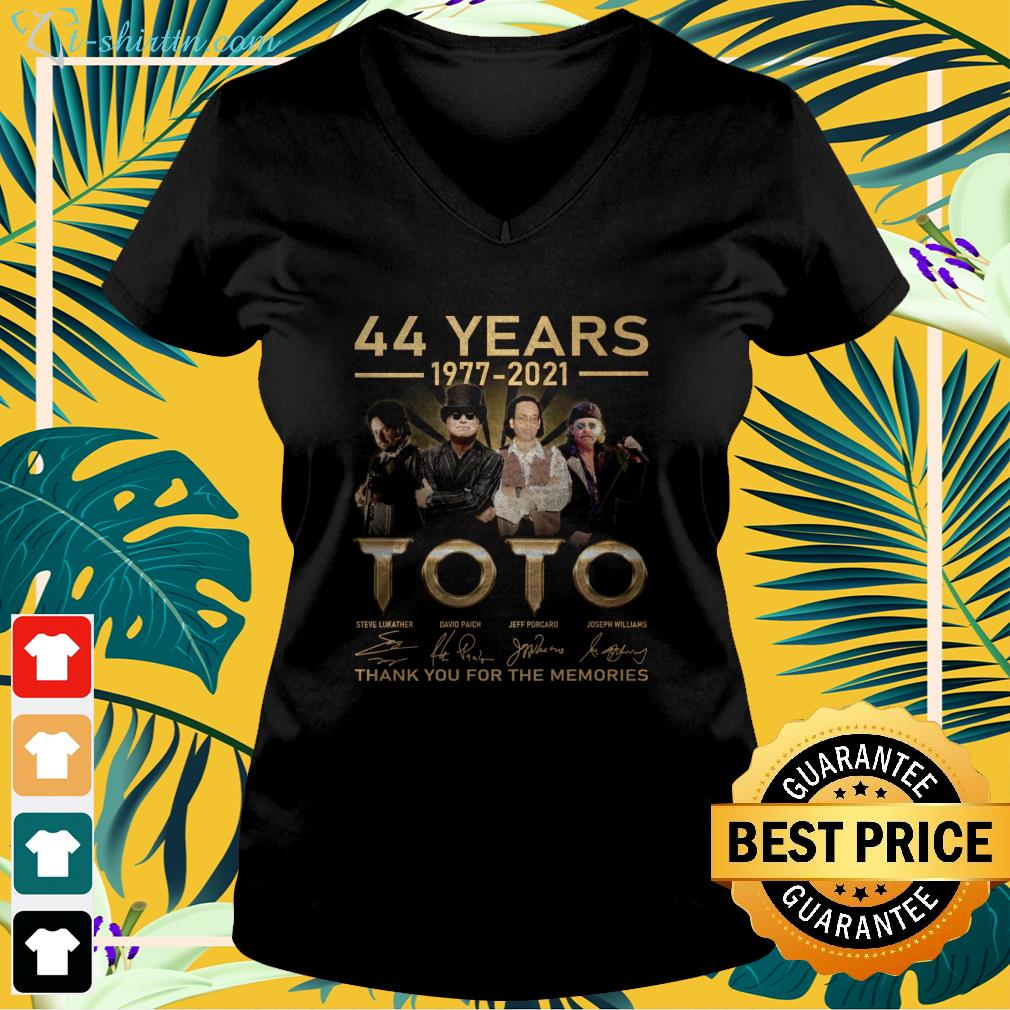 44 years 1977 2021 Toto thank you for the memories v-neck t-shirt